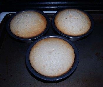 baked mini cakes