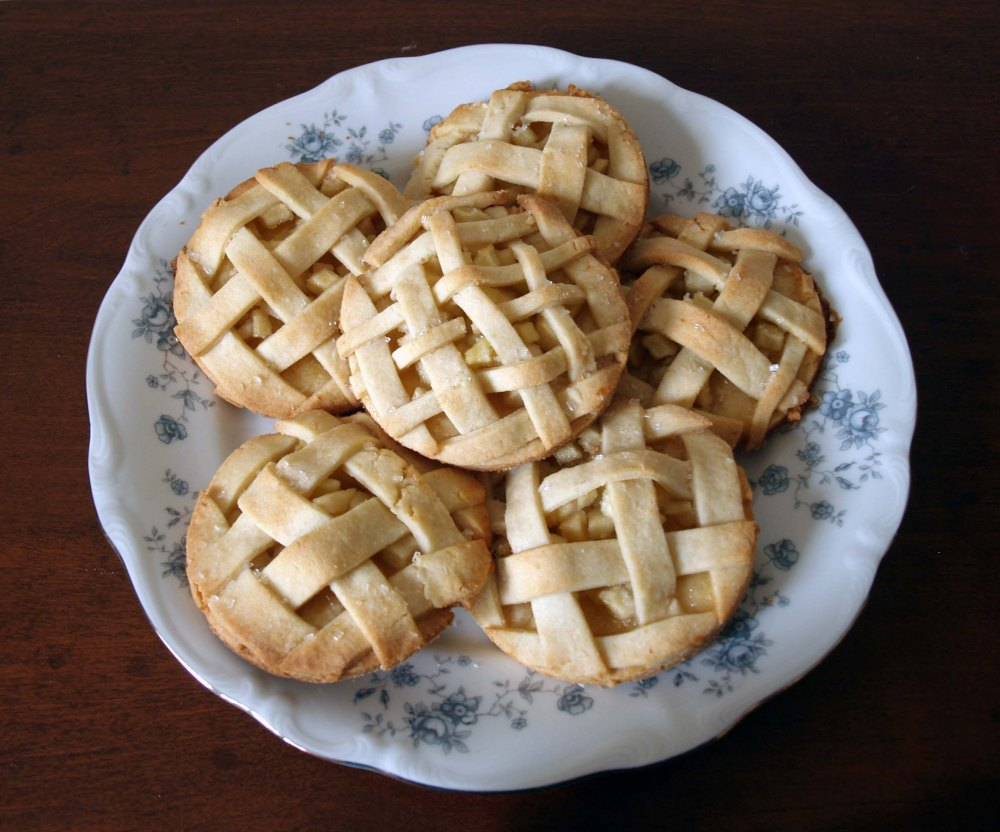 apple cookie pies