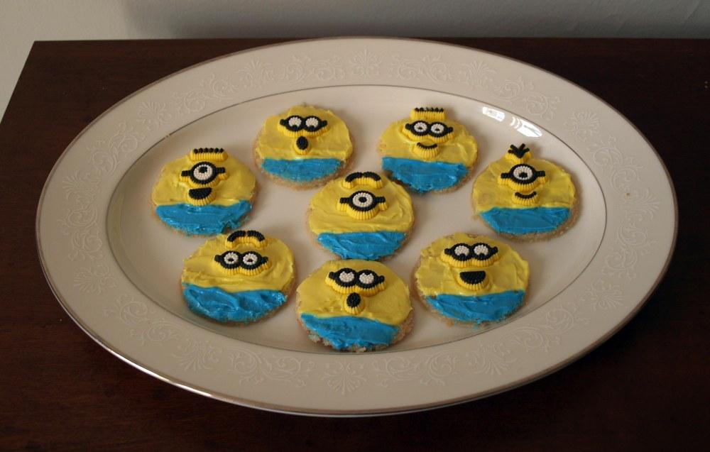 round minion cookies