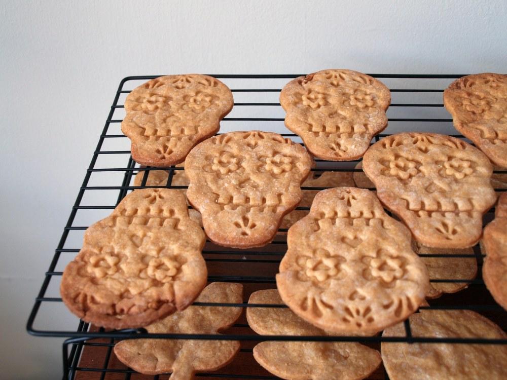 pumpkin spice cutout cookies