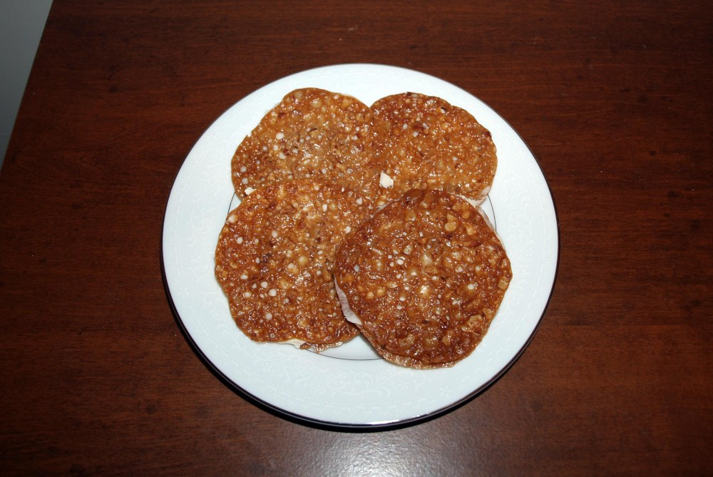 pecan lace sandwich cookies