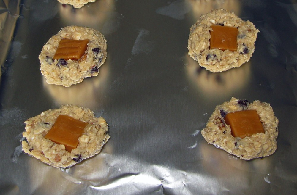 Turtle Oatmeal Cookies with Caramels