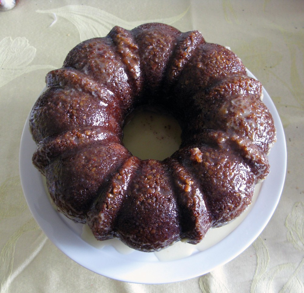 Glaze on Top of Mint Julep Bundt Cake