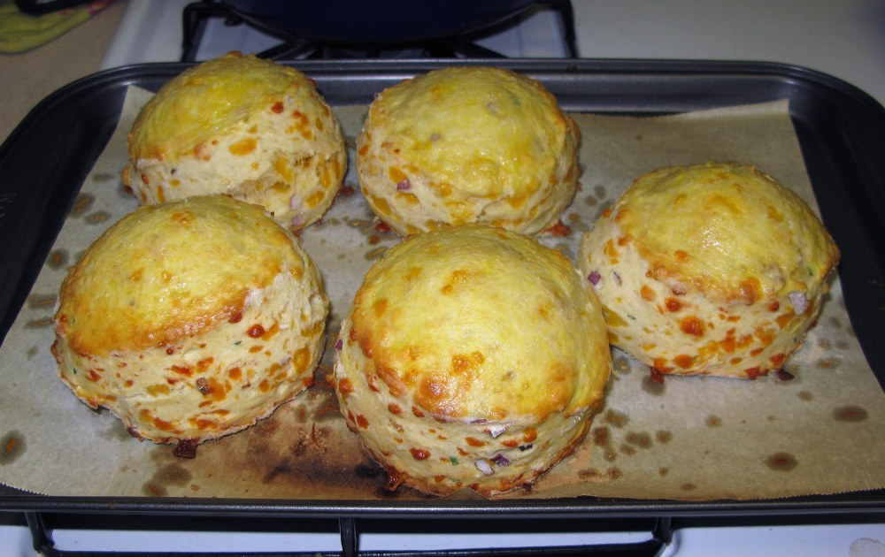Baked Cheddar and Chive Scones