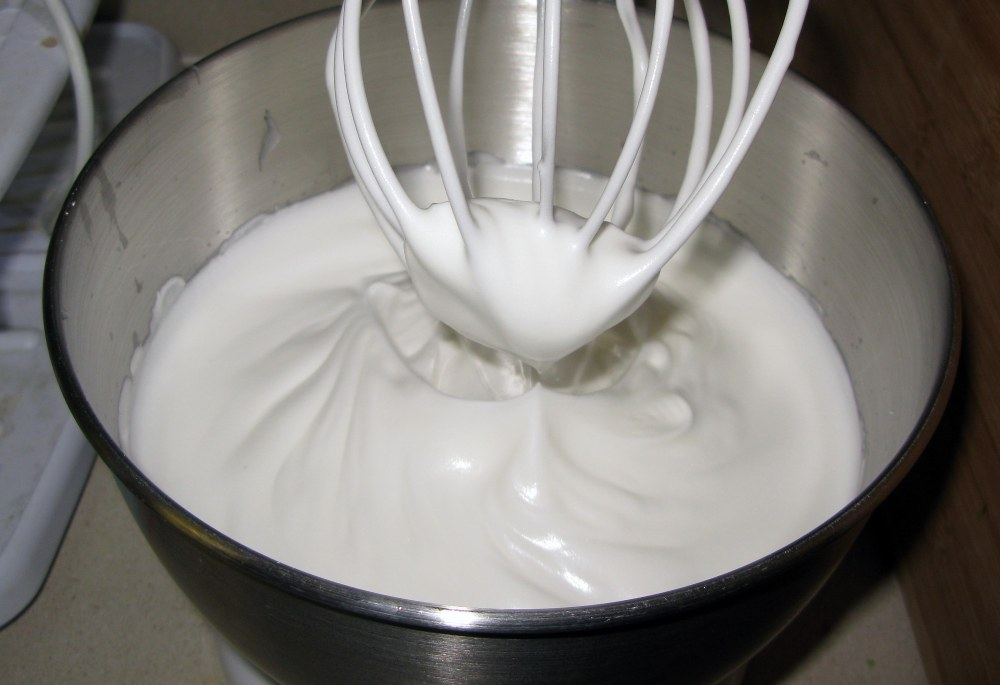 Meringue Topping with Cornstarch Paste Added
