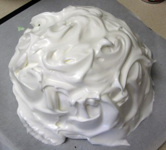 Topping Baked Alaska with Meringue 3