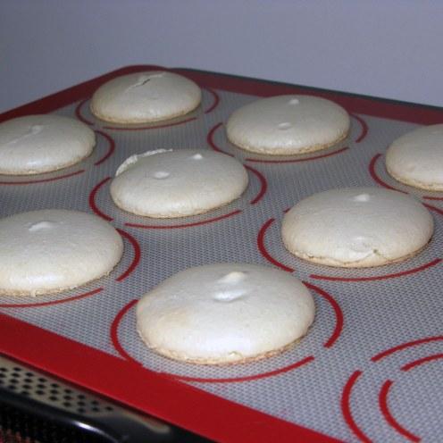 Baked Macaron Feet